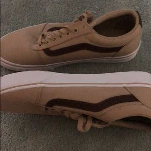 Vans new suede color and brown size 9.5